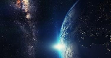 Loi de l'attraction univers