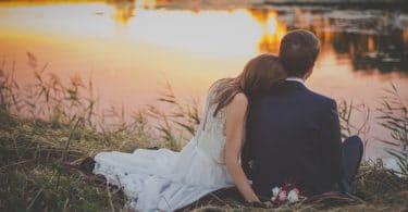 Pour et contre le mariage copine et copain